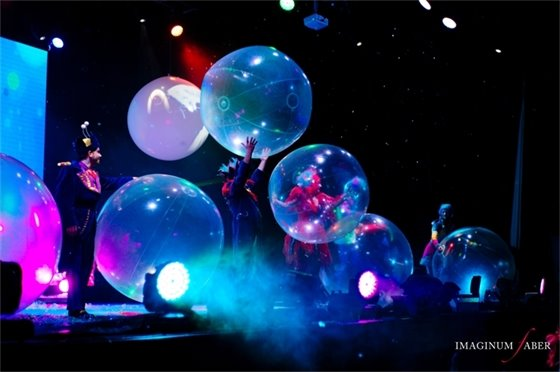 Bubbles and more bubbles on stage